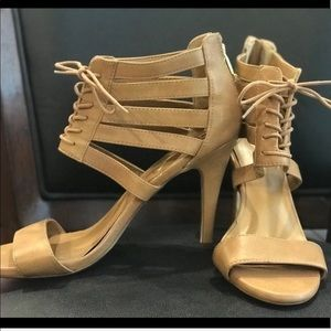 Report Signature brown cagey heels shoes size 10